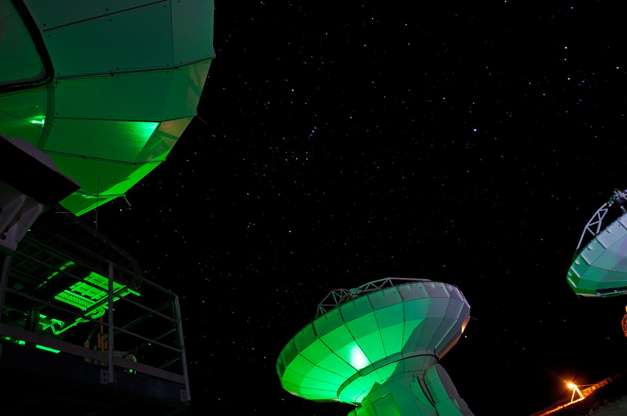 Orion schaut auf ALMA herunter