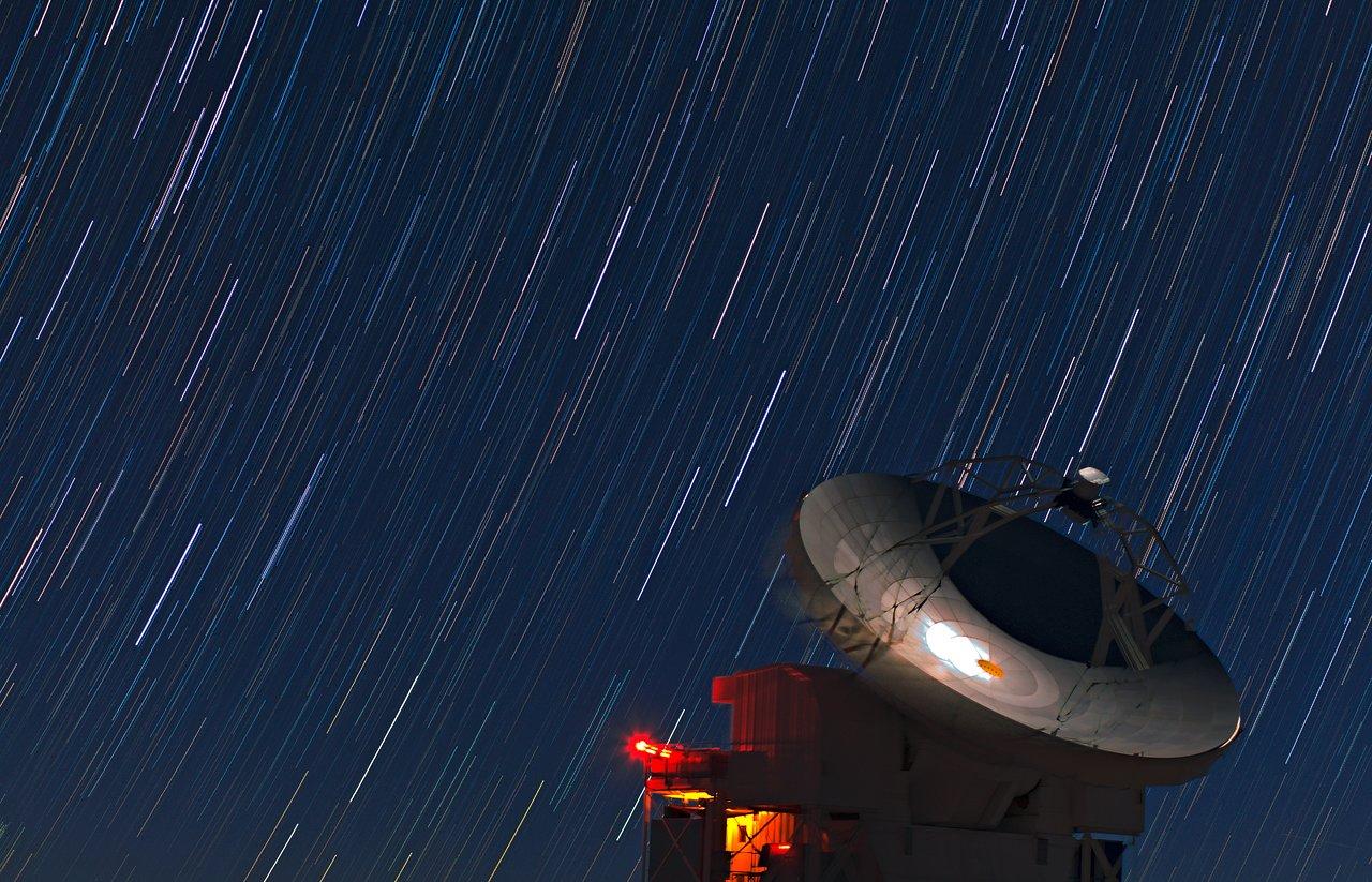 Sternspuren am Himmel