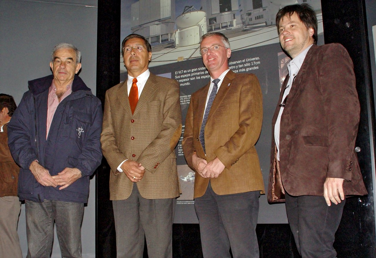 Inauguration of the new ESO exhibition at the Museum of Taltal