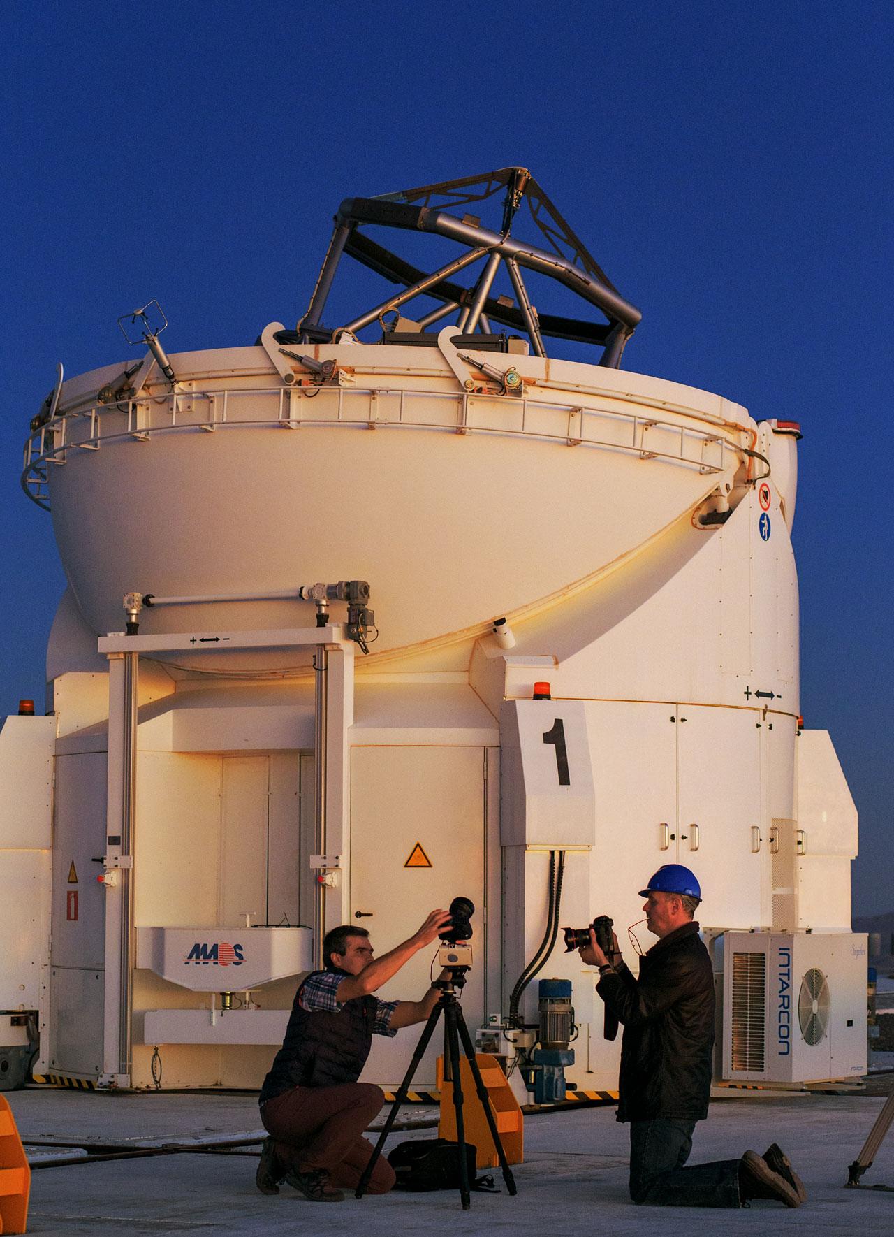 UHD team members test equipment at Paranal