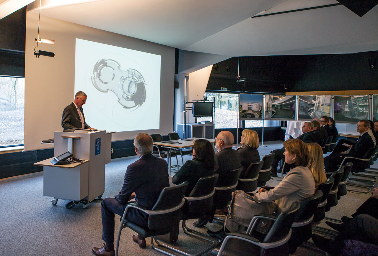 ESO Director General presenting at the visitor centre signing event