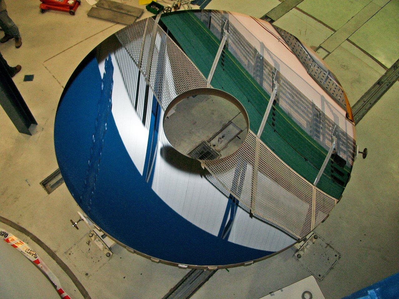 The 4.1 m diameter VISTA main mirror