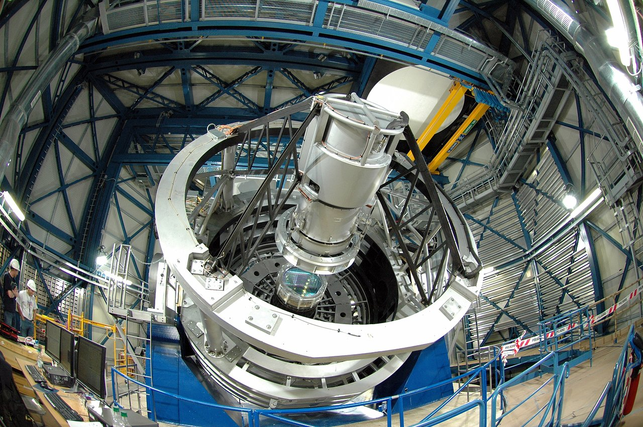 The VISTA telescope in its enclosure