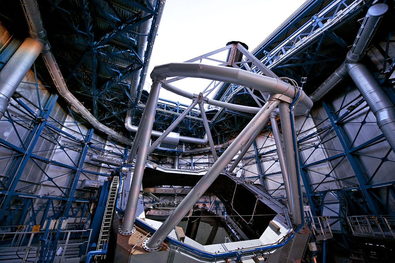 The ESO VLT Yepun Telescope Opening