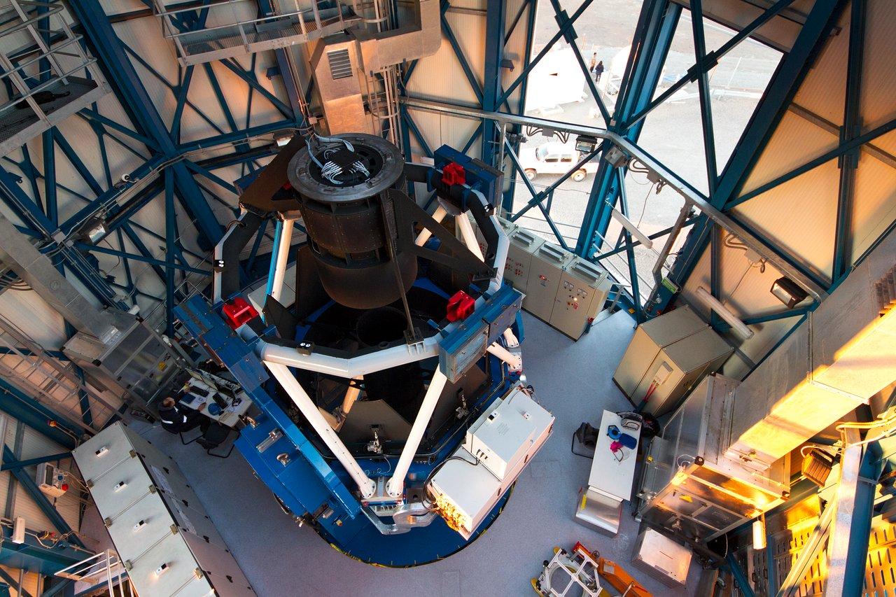 The VLT Survey Telescope (VST)