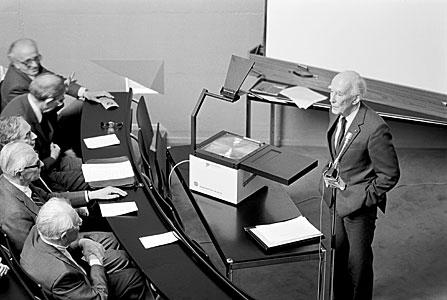 Jan Oort Giving a Talk