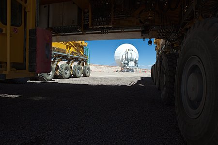 ALMA Antenna and Transporter