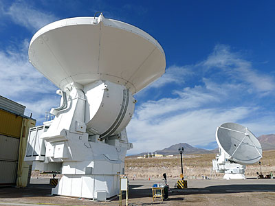 Alma Antenna Looks Upwards