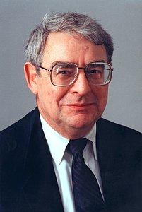 Riccardo Giacconi, ESO Director General