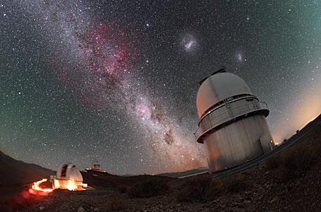 Magellanic Clouds above the Danish 1.54-metre telescope
