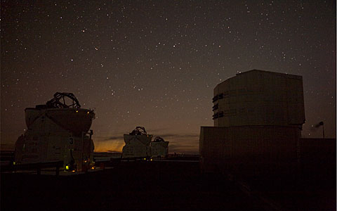 "A Cometary ""Aurora"" at Paranal"