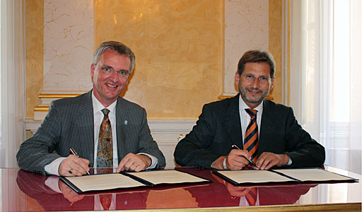 The Signing Ceremony with Austria