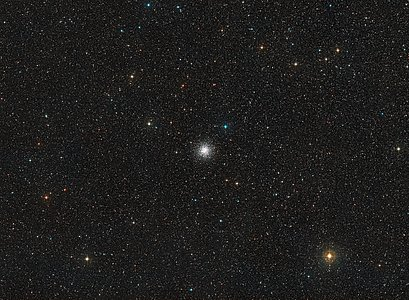 Wide-field view of the sky around the globular cluster NGC 6362