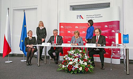 Unterzeichnungszeremonie mit Polen