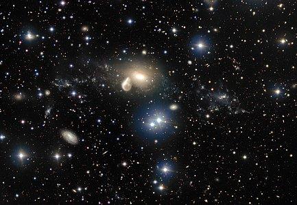 Los alrededores de la galaxia en interacción NGC 5291