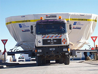 Second 8.2-m VLT Mirror and its Cell Arrive at Paranal