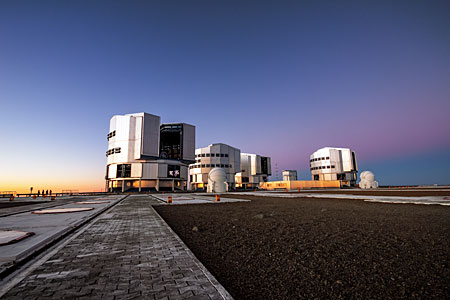 Blue hour at Paranal