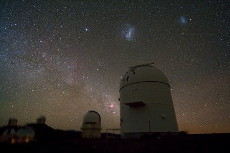 Los Domos de los Telescopios Agrupados en La Silla