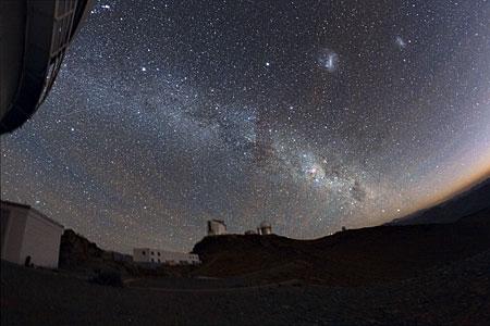 La Silla bajo las estrellas