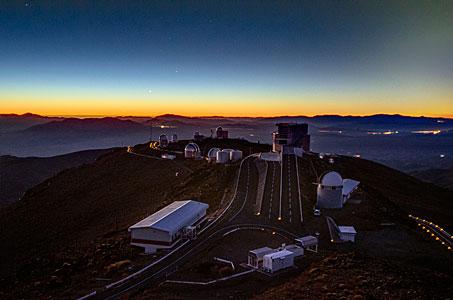 Aufgereihte Planeten über La Silla