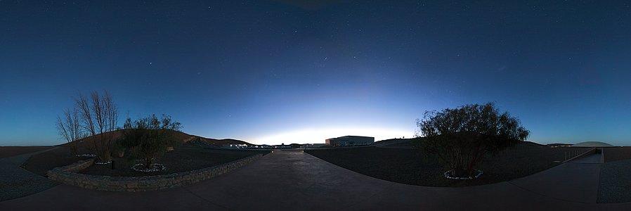 Paranal basecamp at dawn