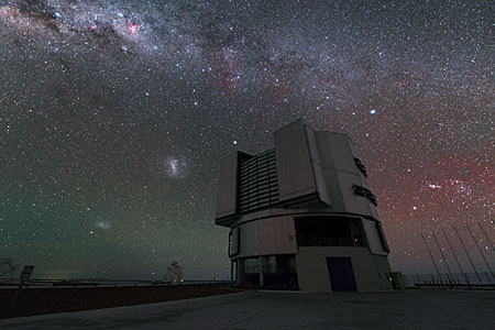The VLT and Three Galaxies in UHD