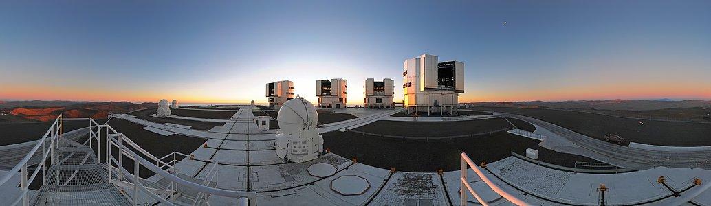 360° panorama of the VLT platform at sunset