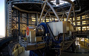 Mounted image 022: VLT Unit Telescope 1, Antu, venting before start-up