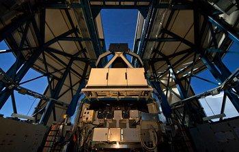 Mounted image 183: The VLT Survey Telescope (VST)