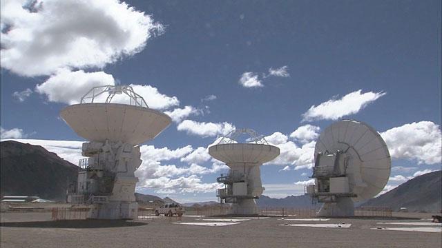 ALMA antennas at Chajnantor (Time-lapse)