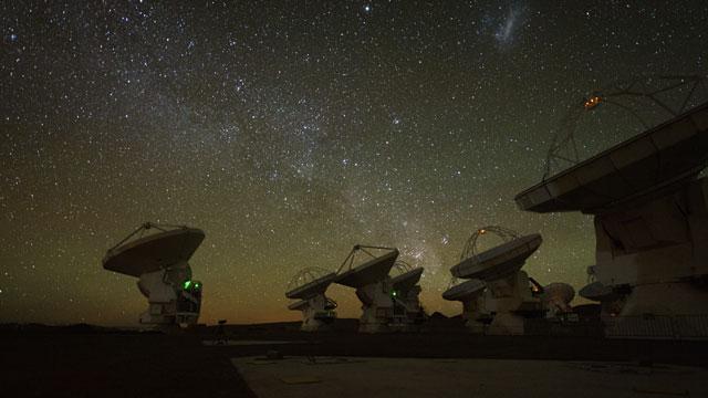 ALMA and artificial satellites (time-lapse)