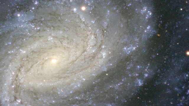 Panning across a new VLT image of the spiral galaxy NGC 1187