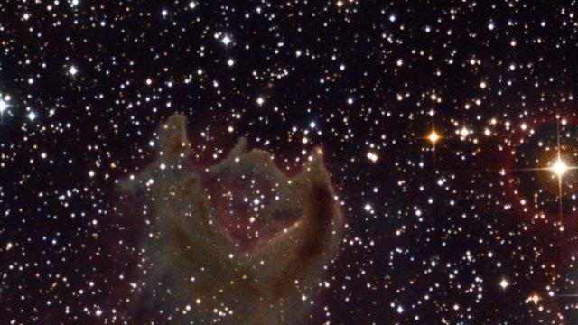Zooming in on the cometary globule CG4