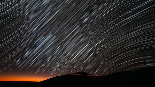 El rastro de las estrellas en Paranal