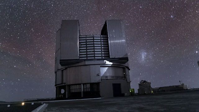 Time-lapse video of the VLT in action