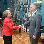 El Director General de ESO se reúne con la Presidenta Bachelet