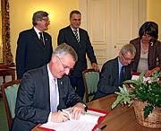 The Czech Republic commits to the E-ELT