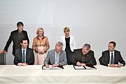 Unterzeichnung des Vertrags für 4MOSt