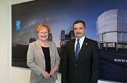Tarja Halonen, ex-presidente finlandesa, visita o ESO no Chile