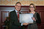 De-Zeeuw-Van-Dishoeck-Absolventenpreis für Astronomie 2017 an Laura Driessen verliehen