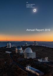 Copertina del report annuale dell'ESO del 2019