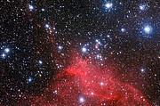 O enxame estelar NGC 3572 e o seu meio circundante
