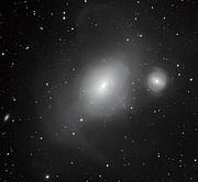 Intaragující galaxie NGC 1316 a NGC 1317