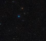 O céu em torno do sistema estelar triplo HD 131399