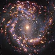 NGC 4303 op verschillende golflengten, zoals waargenomen met het MUSE-instrument van ESO's VLT