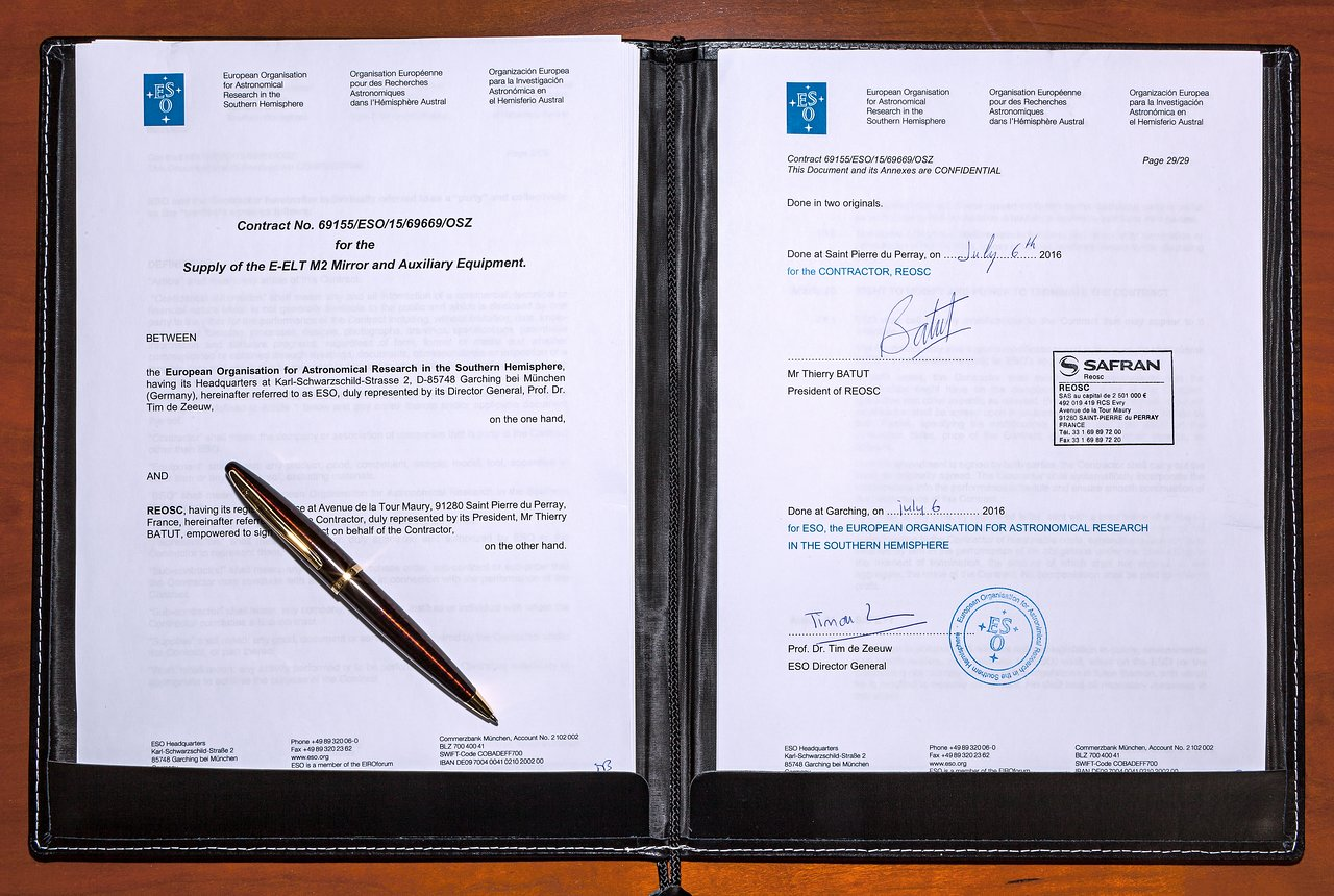 ESO has signed a contract ...