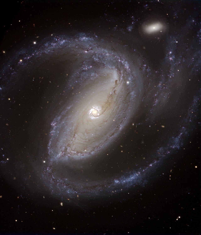 Спіральна галактика NGC 1097