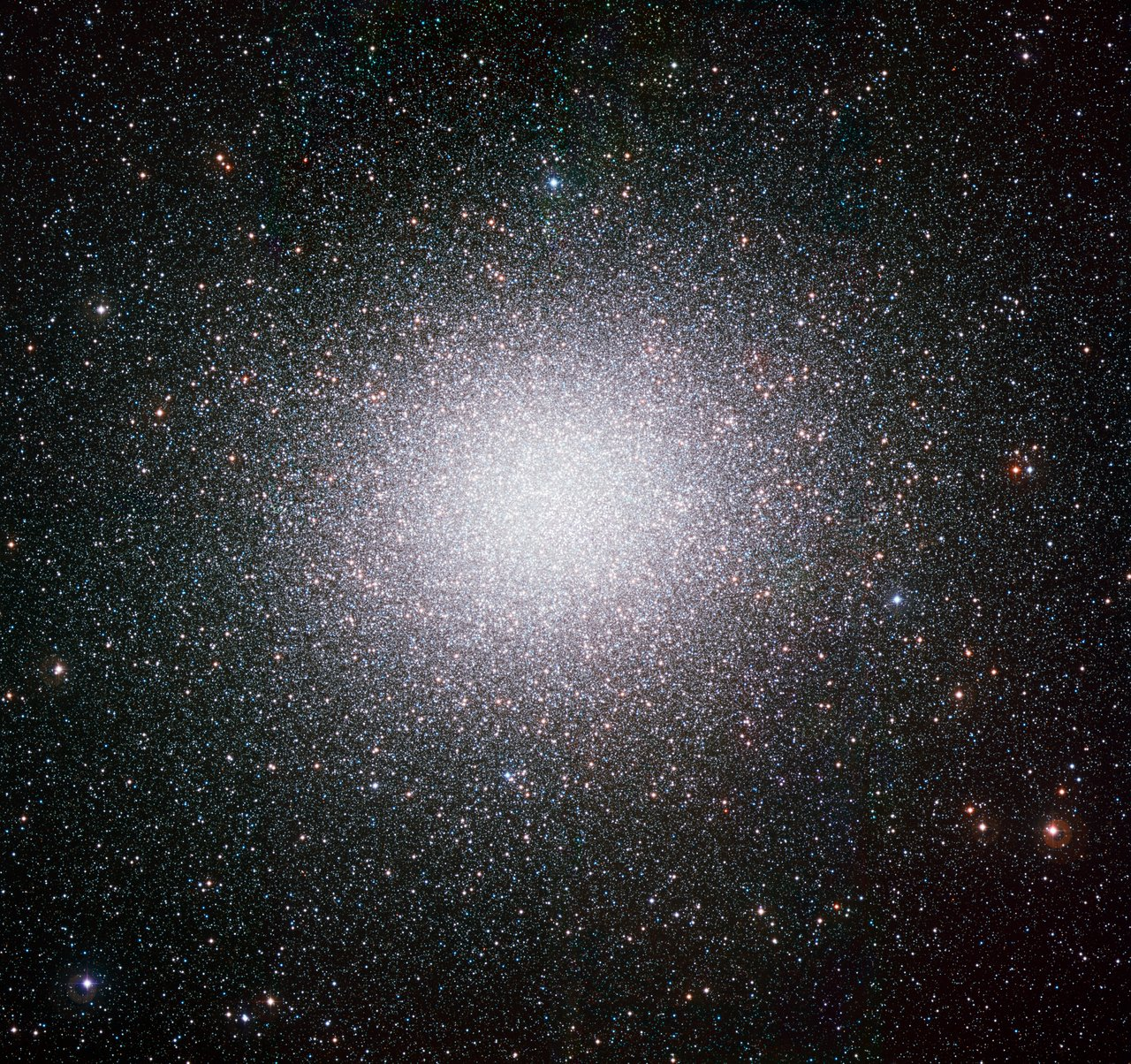 Mounted image 042: The Globular Cluster Omega Centauri