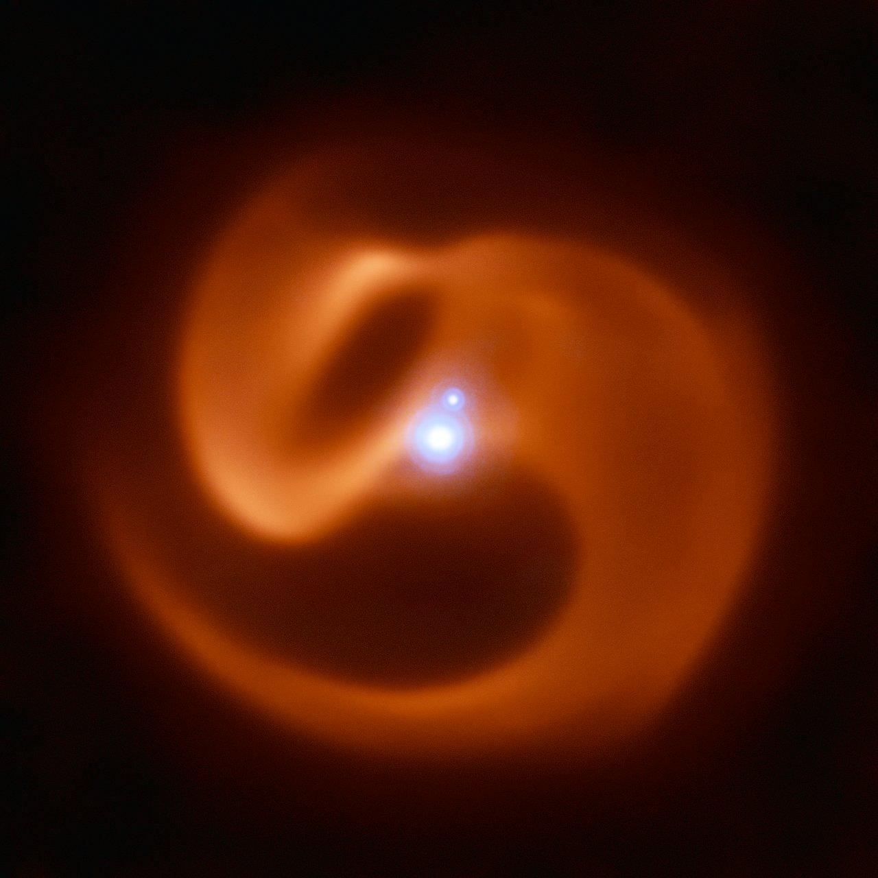 Nedaleký hvězdný systém by mohl v brzké explozi doprovázet první záblesk gama záření v Mléčné dráze