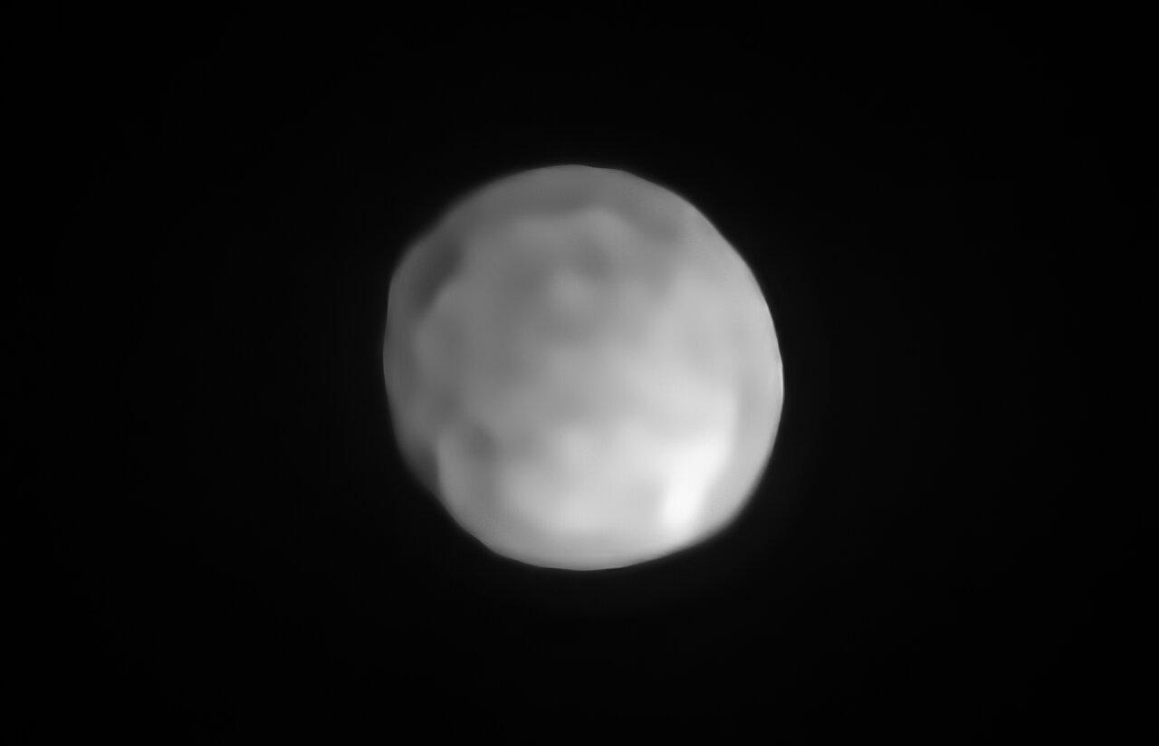 Nová pozorování ukazují, že čtvrté největší těleso pásu asteroidů Hygeia má kulatý tvar